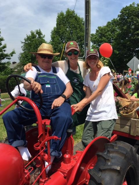 parade2016-tractor